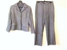 のレディースパンツスーツ