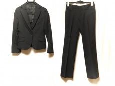 ブリリアントステージのレディースパンツスーツ