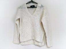 ラインのセーター