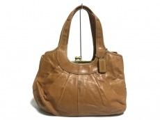 COACH(コーチ)のエルゴレザープリーテッドフレームドサッチェルのショルダーバッグ