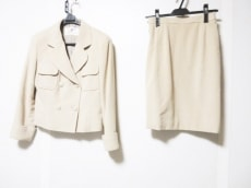 COURREGES(クレージュ)のスカートスーツ