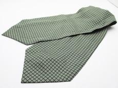 フェアファクスのネクタイ