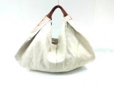 アンヴォクールのハンドバッグ