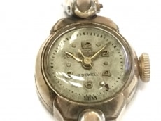 エニカの腕時計