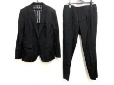 バーバリーロンドンのレディースパンツスーツ
