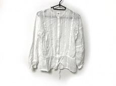 メゾンドソイルのシャツブラウス