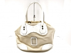 カルネのハンドバッグ