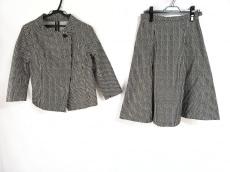 レキップ ヨシエイナバのスカートスーツ