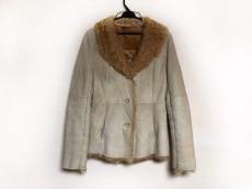 ラリバビアンカのコート
