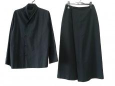 ヨーガンレールのスカートスーツ