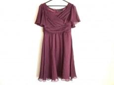 ラデファンスのドレス