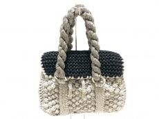 レアピオペライエのハンドバッグ