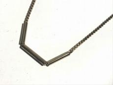ジュリーサンドローのネックレス
