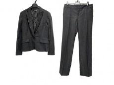 ボナジョルナータのレディースパンツスーツ
