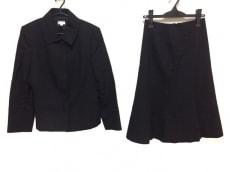 アエルのスカートスーツ