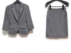 ru(アールユー)のスカートスーツ