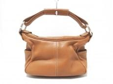 マニュのハンドバッグ