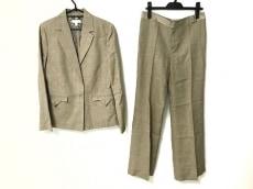 マンゴのレディースパンツスーツ