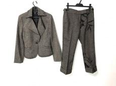 マンゴのスカートスーツ