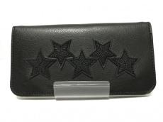 コディ サンダーソンの長財布