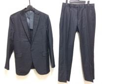 ボナジョルナータのメンズスーツ
