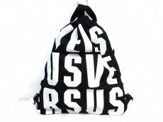 VERSUS(ヴェルサス)のバッグ