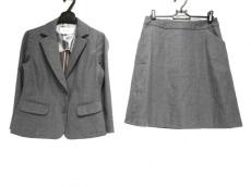 スープのスカートスーツ