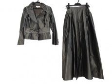 ラフェスタシックのスカートスーツ