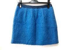 プランピーナッツのスカート