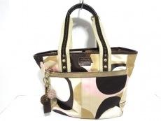 COACH(コーチ)のスカーフプリントのハンドバッグ