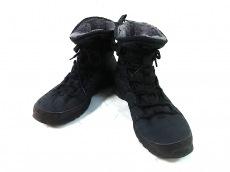 ナイキのローシラン ハイ スニーカー ブーツ