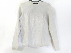 ルヴェルソーノアールのセーター