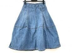 ホールディングホーセズのスカート