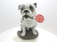 LLADRO(リヤドロ)のBulldog with Lollipop/ブルドッグとロリポップ