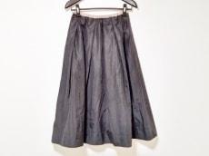 バルコニーアンドベッドのスカート
