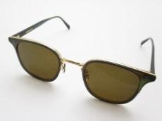 アイヴァンのサングラス