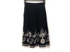 ラモアールデリュクスのスカート