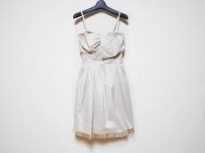 アプワイザーリュクスのドレス