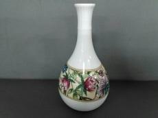 WEDG WOOD(ウェッジウッド) 小物美品  SARAH 白×マルチ 花瓶 陶器