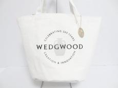 ウェッジウッド ショルダーバッグ美品  ワイルドストロベリー 白
