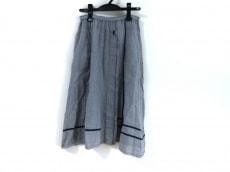 i+mu(イム/センソユニコ)のスカート