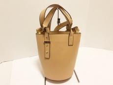 ルヴェルニのハンドバッグ