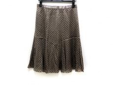 キャロルのスカート