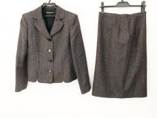 ラピーヌブランシュのスカートスーツ
