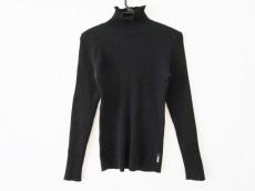 アルマーニのセーター