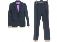 アプライマリーのレディースパンツスーツ