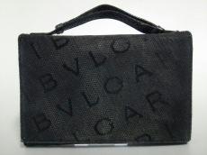 BVLGARI(ブルガリ)のマキシロゴのショルダーバッグ