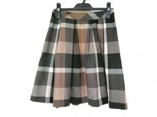 ブルーレーベルクレストブリッジのスカート