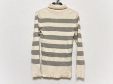 プリスティンのセーター