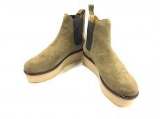 フラミンゴのブーツ